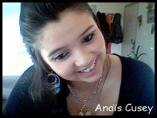 Derrière un sourire se cache une larme .. <3