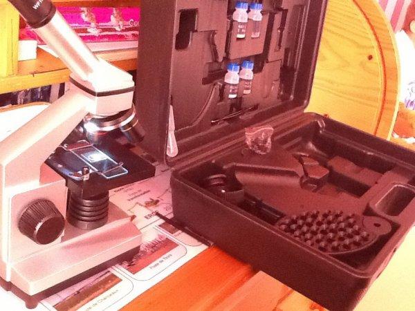 Mon cadeau ( un microscope )