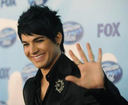 #186 Adam a gagné le titre de '' meilleur artiste de l'année 2010 ''. Il bat entre autres Lady Gaga, Ke$ha, Pink, Christina Aguilera, Katy Perry avec un nombre impressionant de vote !