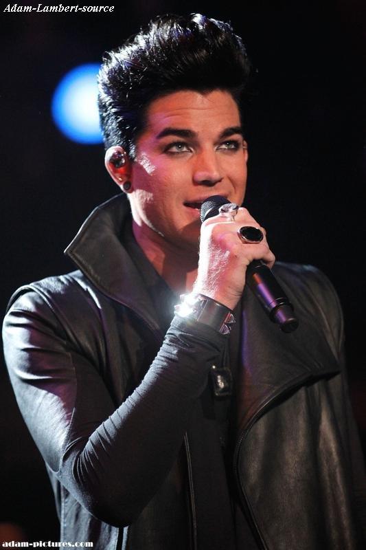 #294 Nouvelles photos de Adam au NewNowNext Awards. (07.04.11)