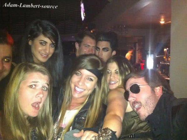 #330 Nouvelles photos de Adam avec Danielle Stori, son copain Sauli Koskinen et d'autres amis... Probablement à la fête de Danielle.