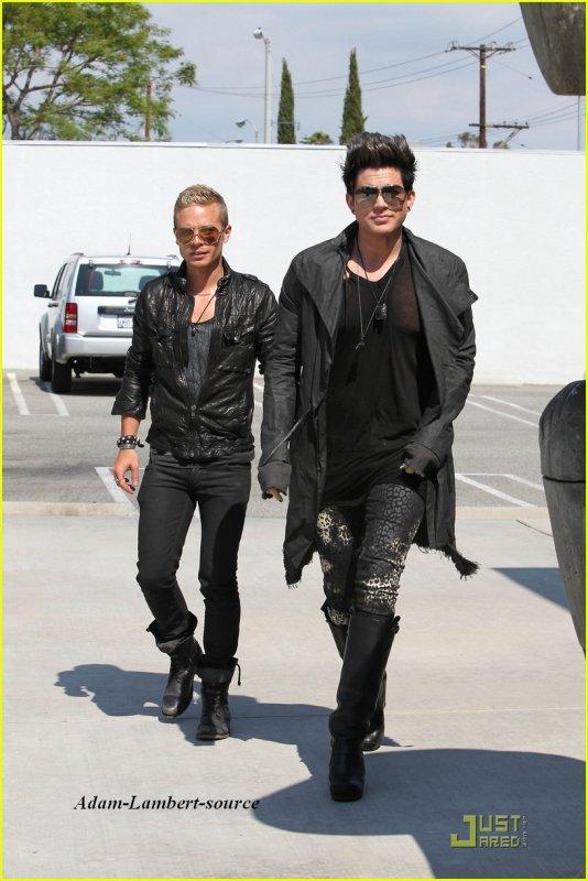 #360 Adam et son copain Sauli sont aller magasiner à West Hollywood, en Californie. (17.05.11)
