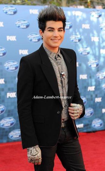 #394 Adam et son copain Sauli sur le tapis rouge à la finale de American Idol. (25.05.11)