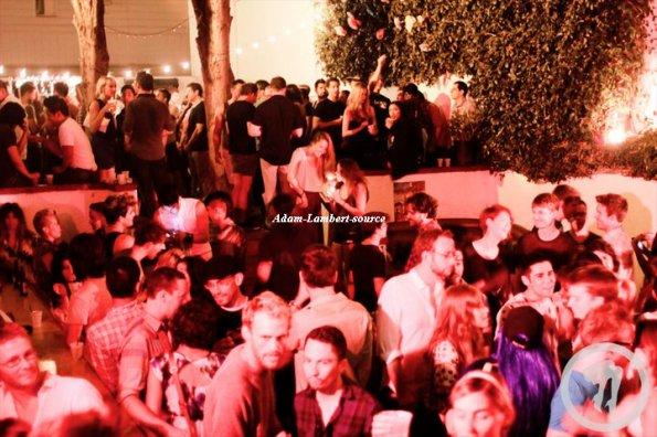 #531 Adam, Sauli et son amie Danielle Stori au club Rhonda. (09.07.11)