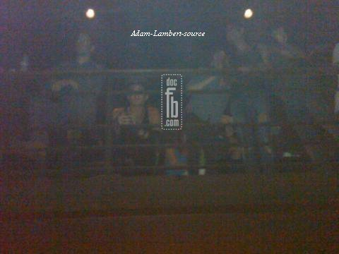 #536 Adam a assisté au concert de Nikka Costa, à New York et a été un grand temps dans la zone VIP. (14.07.11)