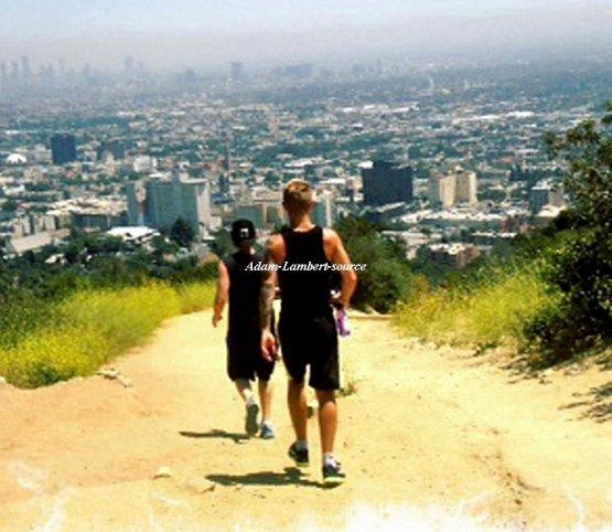 #563 Adam et Sauli faisant le jogging.