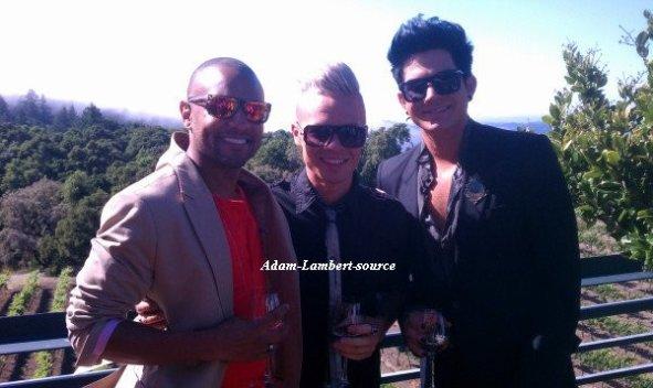 #645 Nouvelles photos de Adam, son copain Sauli et Terrance Spencer au mariage de Brooke Wendle. (19.08.11)