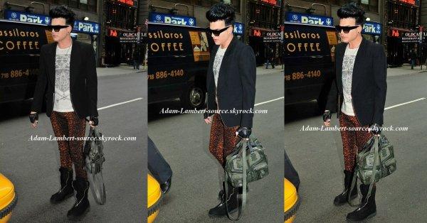 #753 Adam à New York où il travail sur une nouvelle chanson.
