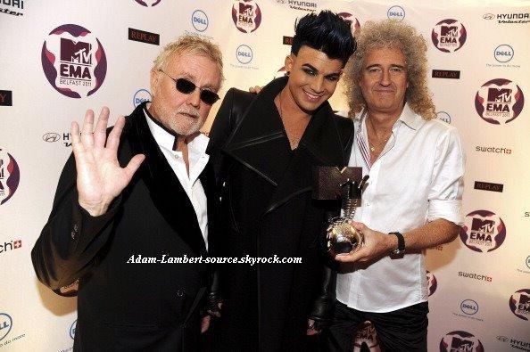 #804 Adam et Queen dans les backstages des MTV European Music Awards. (06.11.11)