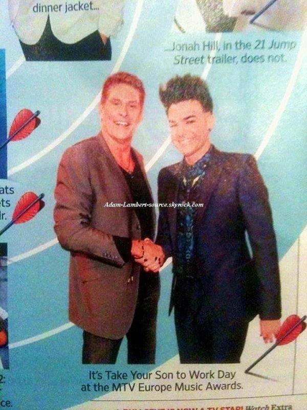 #827 Adam et David Hasselhoff dans un magazine.
