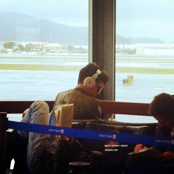 #973 Adam à l'aéroport de San Francisco. (20.01.12)