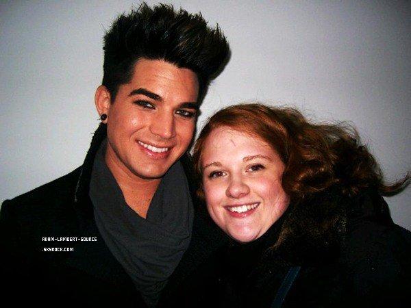 #1004 Adam et des fans.