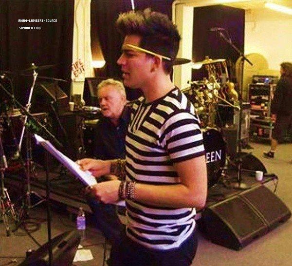 #1395 Adam en répéttion avec Queen.