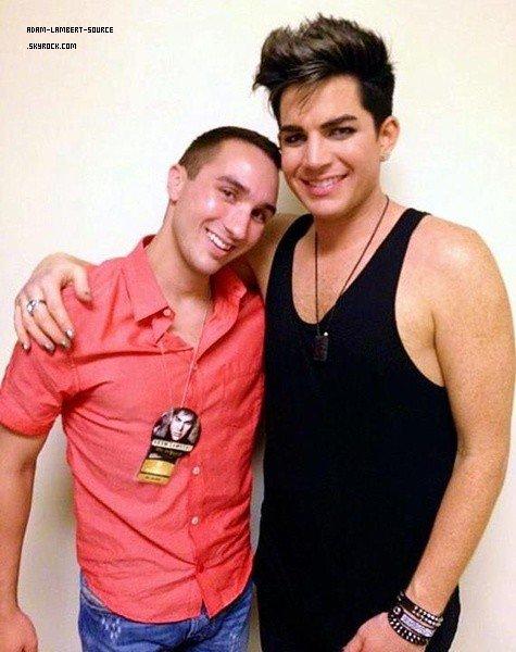 #1440 Adam et un fan après le show au Fantasy Springs Resort. (21.07.12)