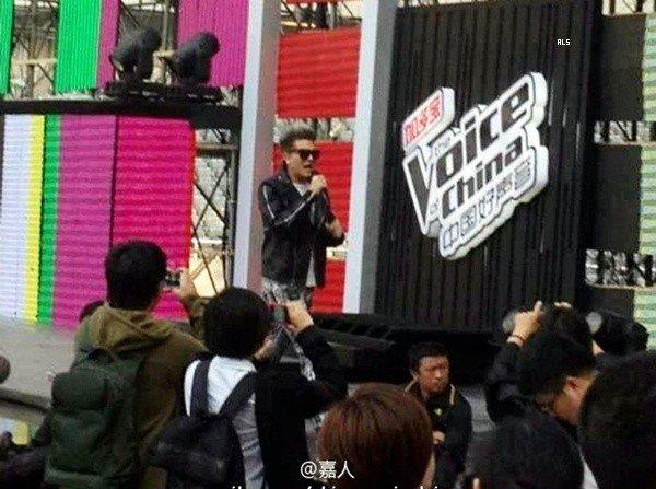 #1515 Adam en répétition pour The Voice of China. (29.09.12)