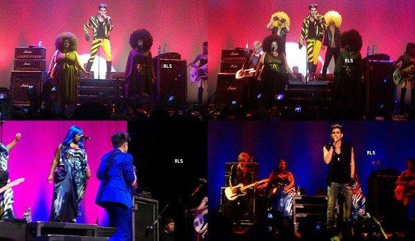 #1557 (FANVIDS + FANPICS)Adam en concert au Cape Town, en Afrique du Sud. (13.11.12)