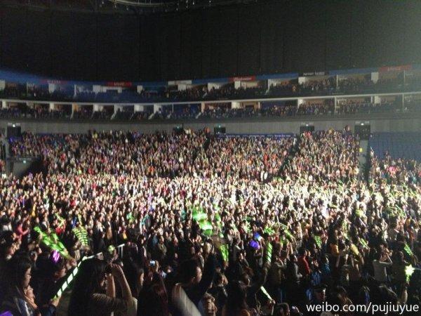 #1660 Adam était en concert à Shanghai, au Mercedes-Benz Arena. (03.03.13)