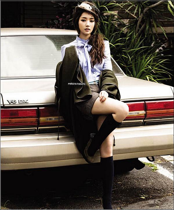 """Photoshoot de Park !   Photoshoot de Park Min Young pour le magasine """"Sure"""" qu'elle a réalisé à Hawaï en compagnie de Sung Yuri !"""