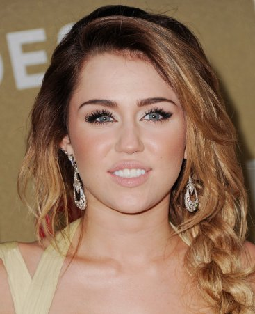 Miley no CNN Heroes - Fotos no Red Carpet