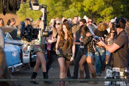 Party In USA entre os melhores vídeos da década