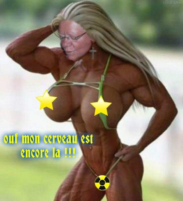 CADEAU  IDIOT  DE  MADAME  CUICUI   (   FAUT  L '  EXCUSER  SA  TOURNE  PAS  ROND  DANS  SA  TETE  )