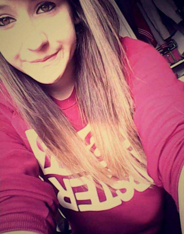 Rien de plus beau qu'un sourire qui a lutter contre des larmes.♥♥