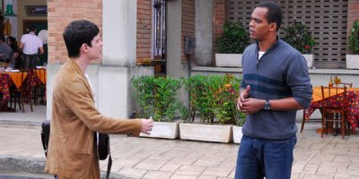 Vicente vê Lupi saindo de sua casa