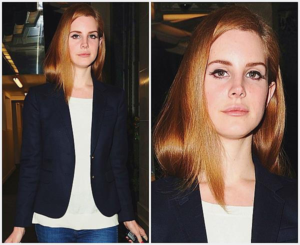 ** 22 Février 2012 : Lana Del Rey arrivant à son hôtel. **