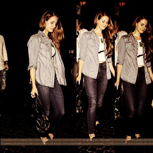 """**  06 Avril 2012 : Lana a été vu de nouveau quittant le Chateau Marmont à West Hollywood. Cette fois-ci elle était accompagné du chanteur Axl Rose du groupe """"Guns N 'Roses"""" **"""