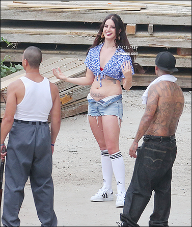 28 et 30 juin : Lana tournait un court-métrage de 'Tropico' à Chatsworth en Californie.