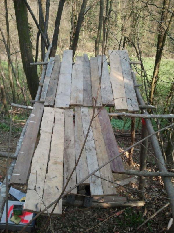 15) toit en planche