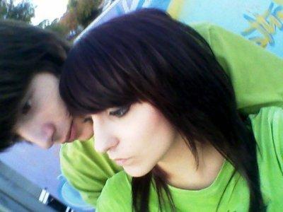 Aime moi plus fort que tout ce que j'ai connue, aime moi comme on ne m'a jamais aimer...