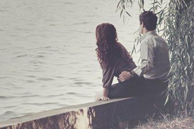 """"""" Il y a des gens dont le regard vous améliore. C'est très rare, mais quand on les rencontre, il ne faut pas les laisser passer. """""""