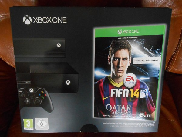 XBOX ONE / DAY ONE EDITION FIFA 14 PACK