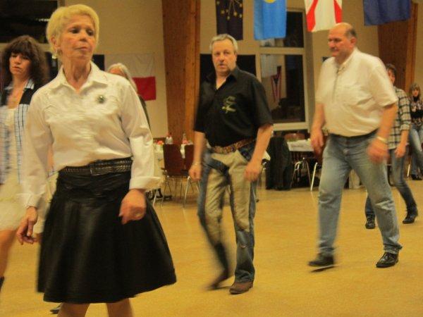 Après-midi dansant chez les Happy Country Dancers !