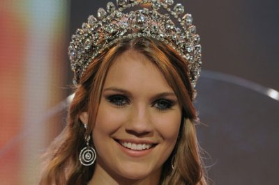 Kerstin Cook, magnifique Miss Suisse 2010-2011!!