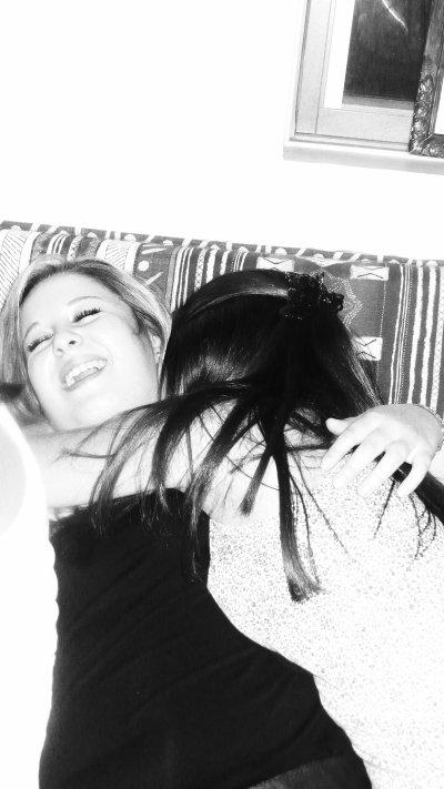 •๑۩۞۩๑ ♥ L'idéal de l'amitié c'est de se sentir un et de rester deux ♥ ๑۩۞۩๑•
