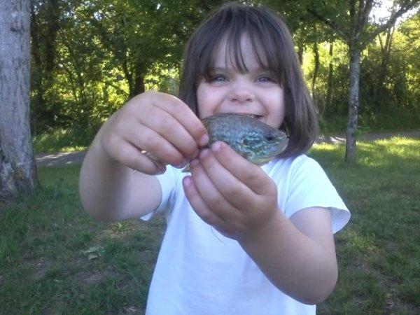 la relève est assurée(que du bonheur cette petite journée de pêche avec ma fille)