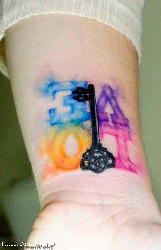 Osez l'originalité ! Les tattouages 'aquarelles'