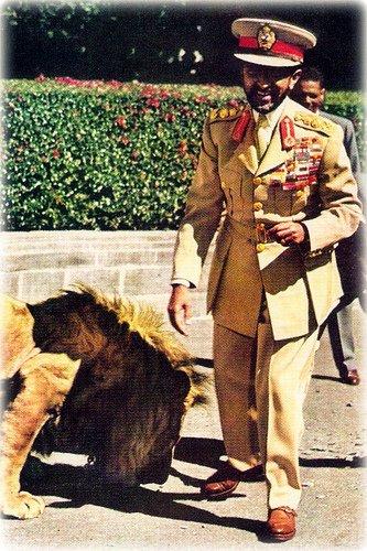 Sa Divine Majesté Hailé Sélassie I RasTafari Le Roi des rois ,le Seigneur des seigneurs le Lion Vainqueur de la Tribu de Judah sur le Trône du Roi Salomon et de la Reine de Saba.