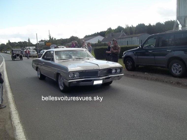 Buick Skylark(Exposition voiture américaine Carantec 2012 et Festival des belles mécaniques Plouigneau 2011)(01/07/12 & 04/09/11)