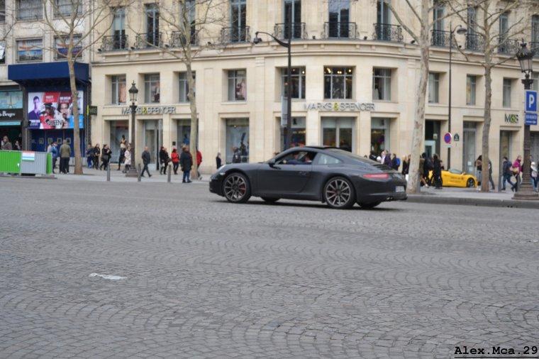 Porsche 911(Type 991) Carrera S(Avenue des Champs Elysées Paris)(16/03/13)