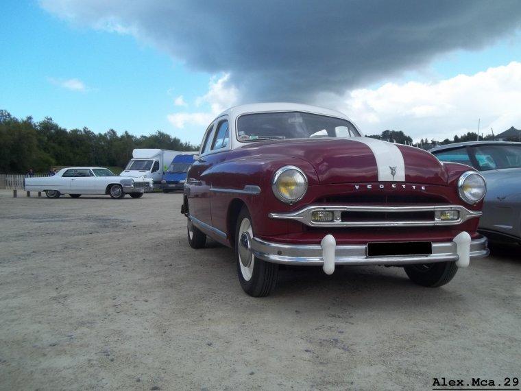 Vedette V8(Exposition voiture américaine 2012 Carantec)(01/07/12)