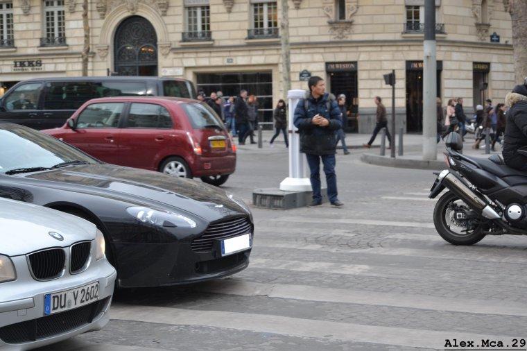 Aston Martin V8 Vantage Volante(Avenue des Champs Elysées Paris)(16/03/13)