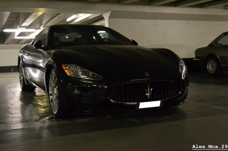 Maserati GranTurismo S(Parking Foch Avenue Foch Paris)(16/03/13)