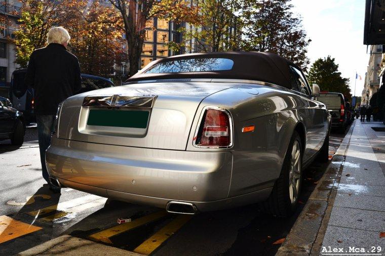 Rolls Royce Drophead Coupé(Four Seasons Avenue Georges V Paris)(07/10/12)