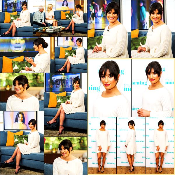 24/04/17 ─   Lea Michele  s'est rendue au ITV Studios à l'émission  «  This Morning  » toujours à Londres.Toute de blanc vêtue Lea est splendide, je la trouve juste rayonnante en ce moment ! Est-ce la sortie de son album qui l'a rend si heureuse? Top.[/alig fen]