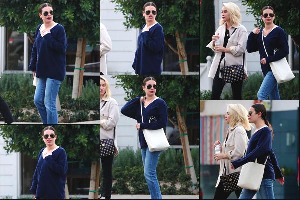 """"""" •  19/11/18    —   Lea Michele a été vue alors qu'elle se rendait à la boutique « Monique Lhuillier » dans West Hollywood, CA !C'est une boutique de robes de mariées. On dirait bien que notre actrice commence le repérage ! Elle était accompagnée de Becca Tobin !  """""""