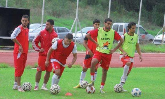 Bekrar, Ali Guechi et Debbous  absents