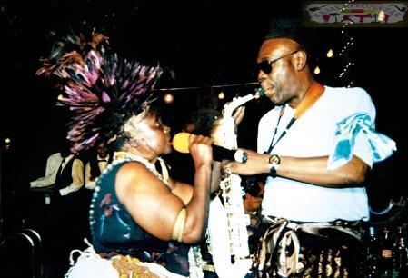 Anne Marie Ndzié se déchaîne - La légende de la musique camerounaise interpelle le chef de l'Etat